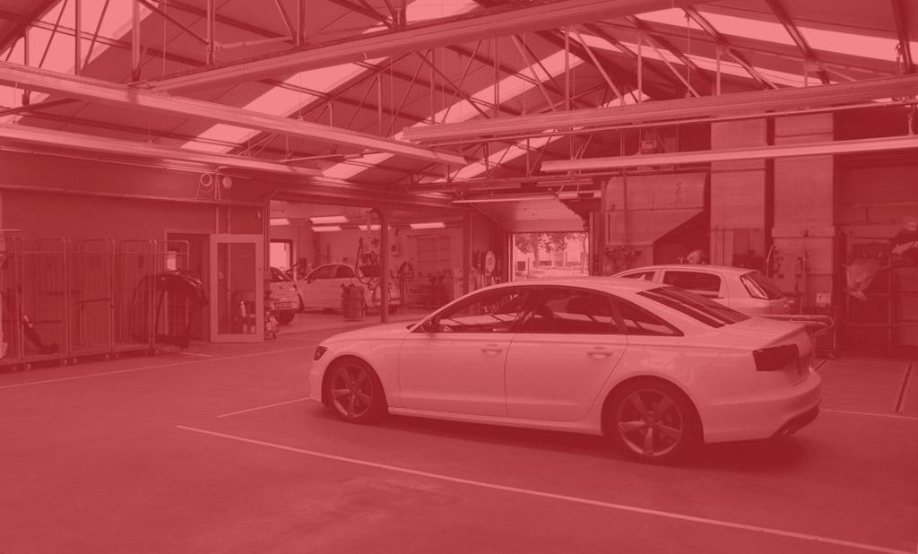 Intérieur de l'atelier de carrosserie Rem Auto à Nivelles